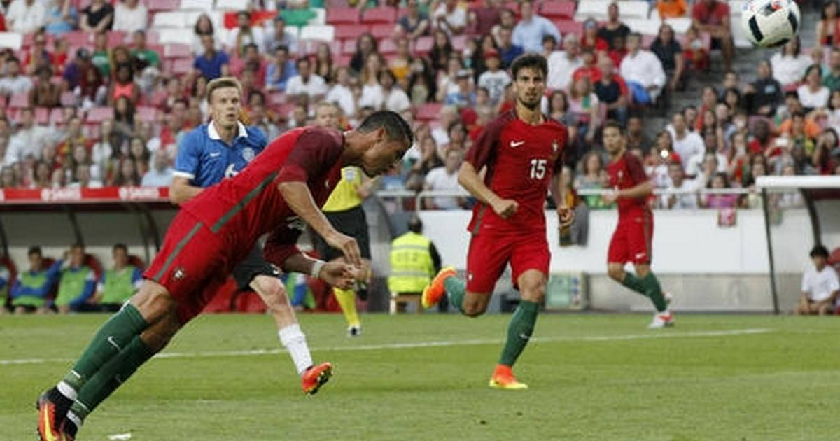 Ronaldo back for Portugal with 2 goals in 7-0 win vs Estonia 2d9a7b3b86bfb