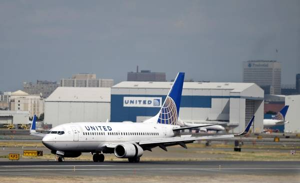 United Airlines Makes Tentative Deal With Flight Attendants