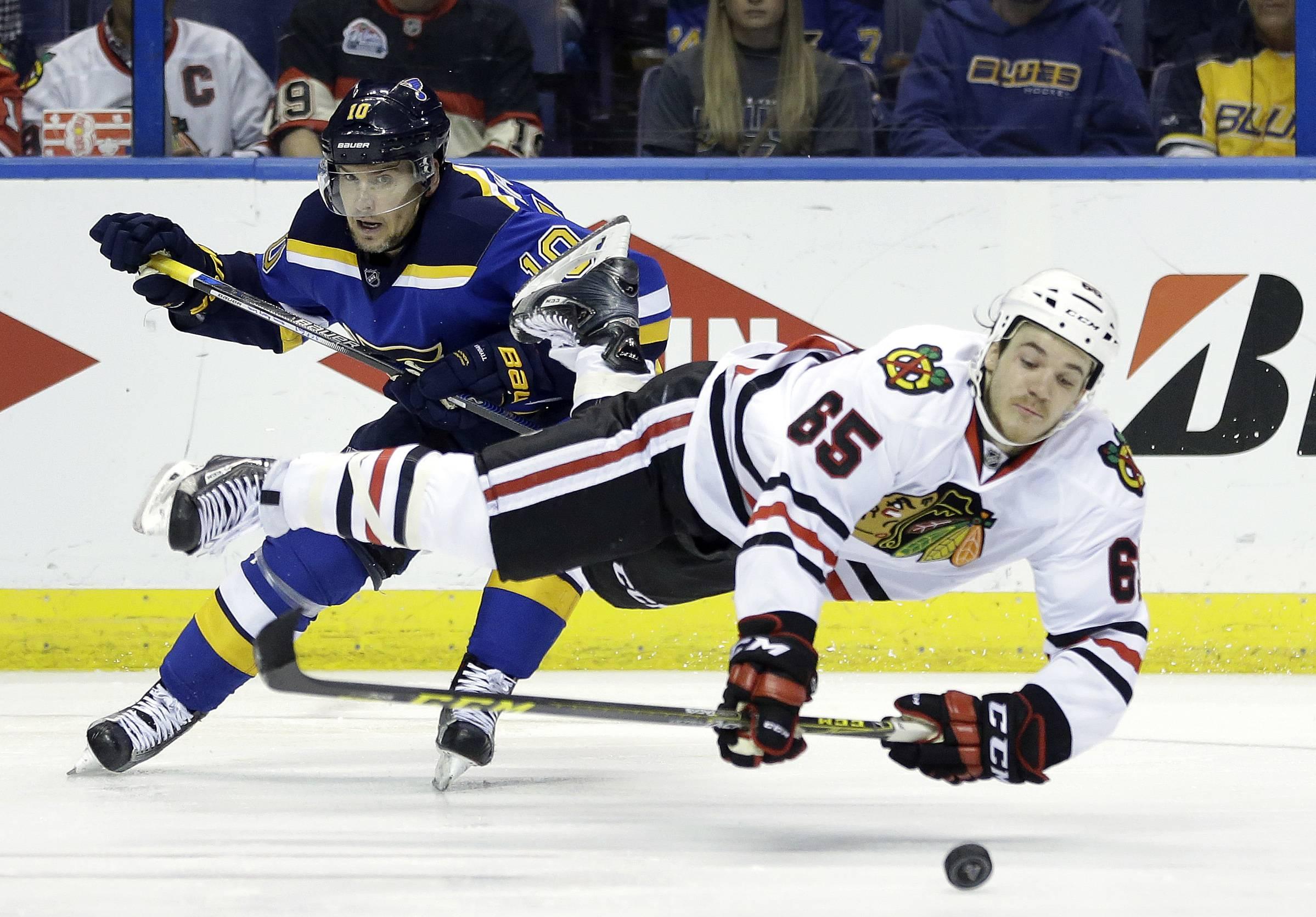 Chicago Blackhawks trade Shaw to Canadiens