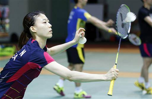 In this photo taken on Thursday, June 16, 2016, South Korean player Kim Ha-na who was disqualified with her teammate Jeong Kyung-eun, as they played in the women's doubles at the 2012 games in London, practices at the Korean National Training Center in Seoul, South Korea. (AP Photo/Lee Jin-man)
