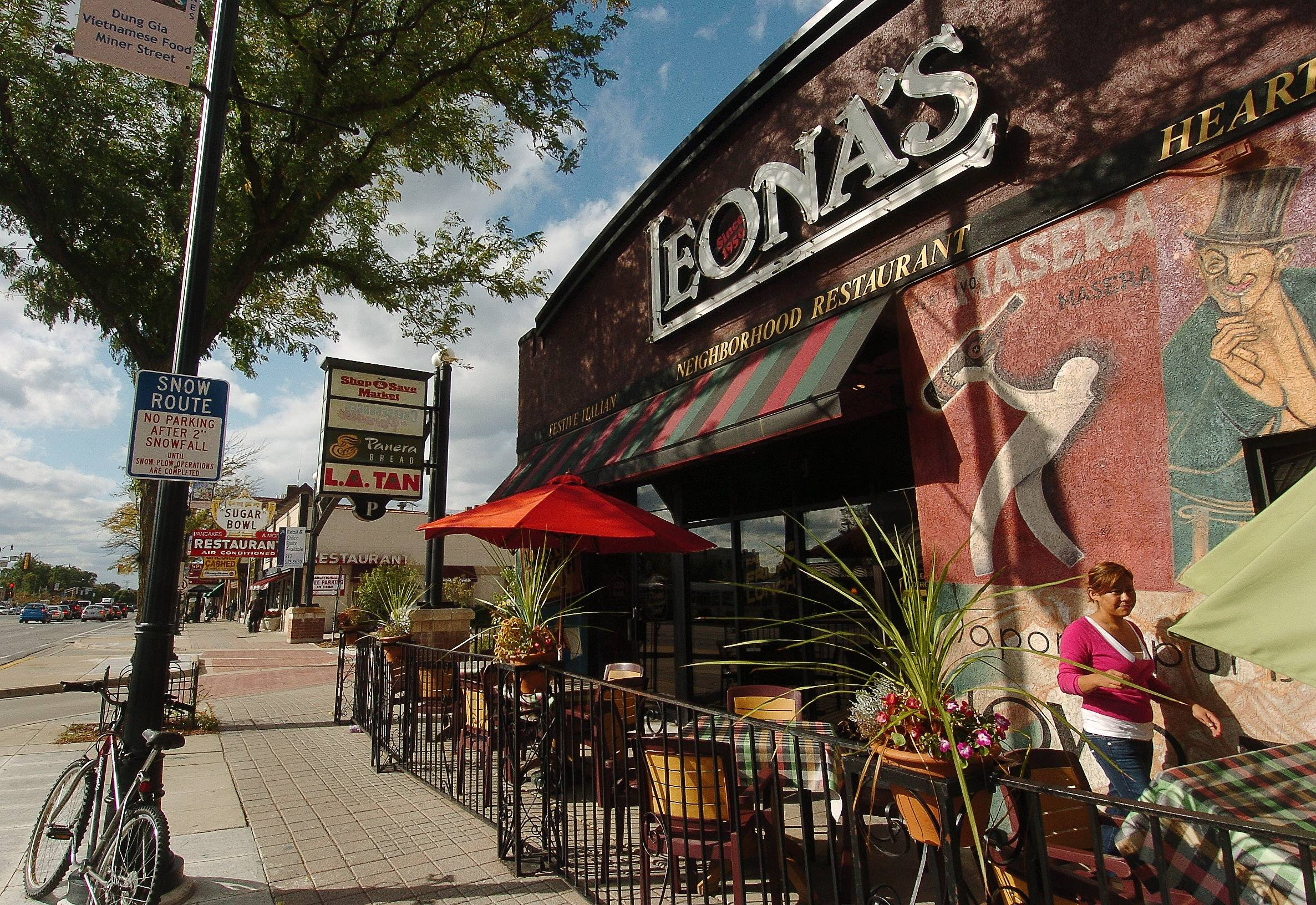 This Leona's Restaurant on Route 14 in Des Plaines soon will be getting another suburban restaurant in Elk Grove Village.