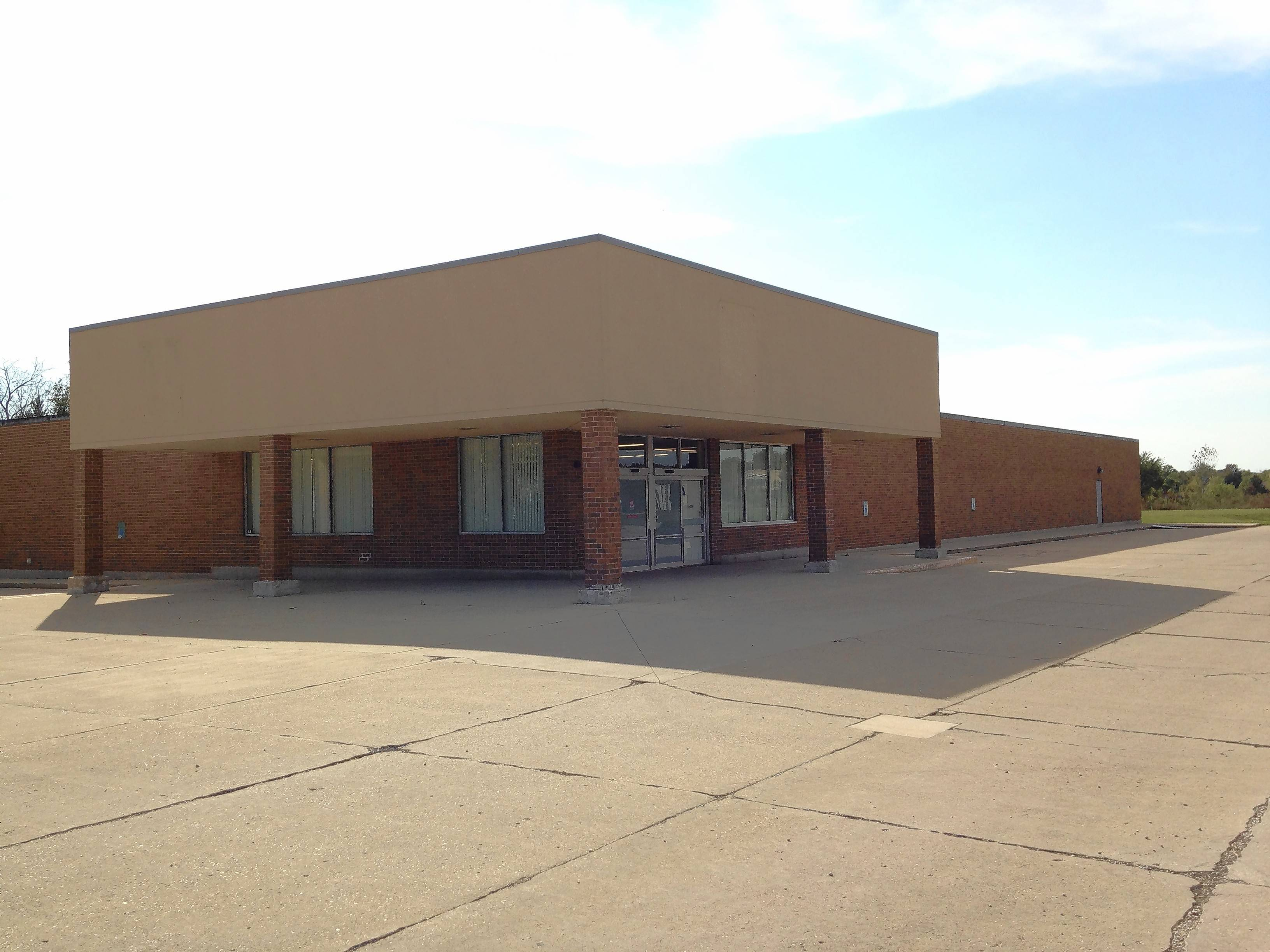 An auto-body repair business has proposed moving in to a former Aldi grocery store at 2080 Main St. in Batavia.