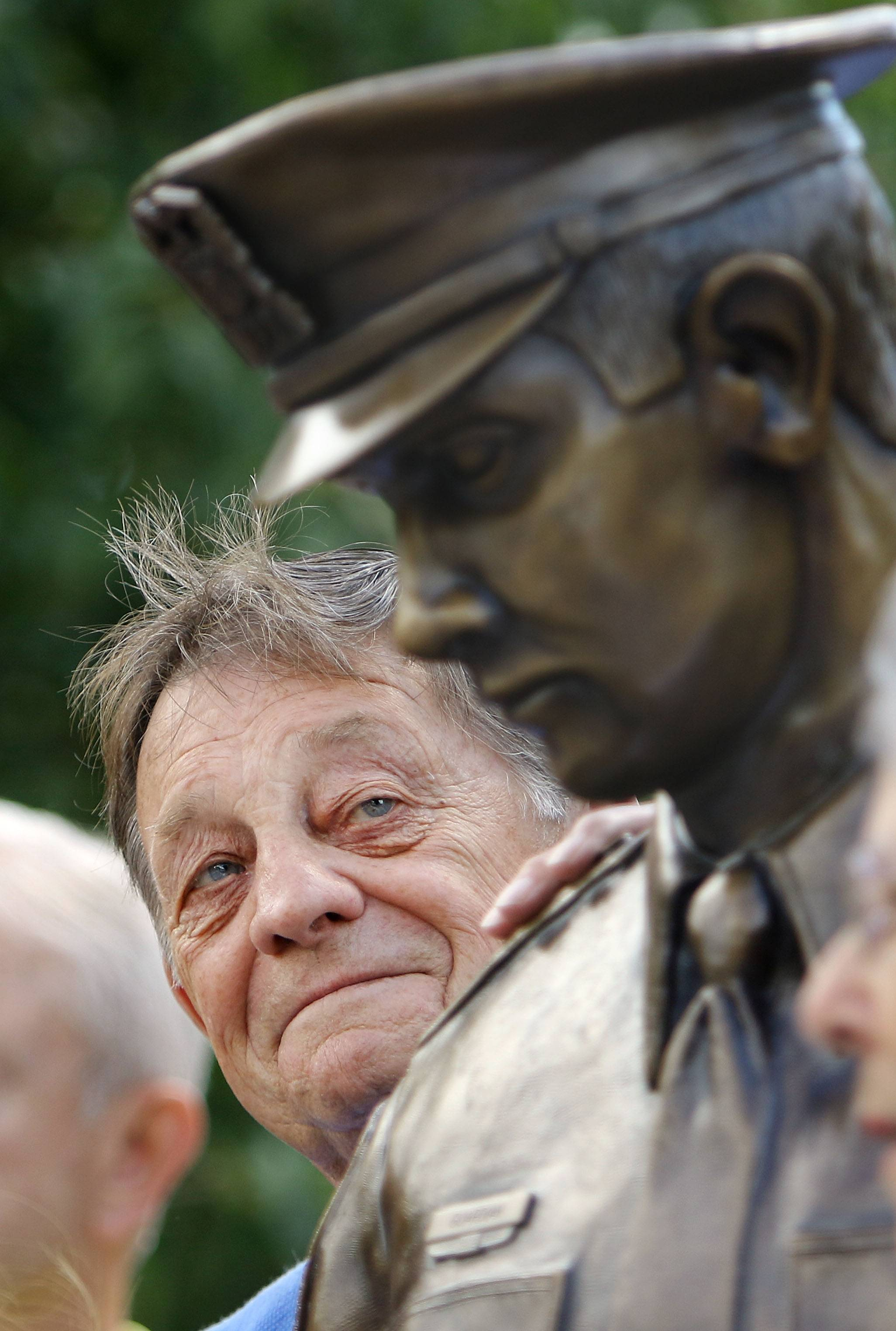 Mundelein proudly unveils statue paying homage to its police