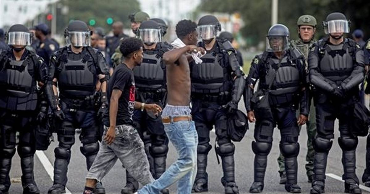 Hundreds resume demonstrations at scene of Louisiana death