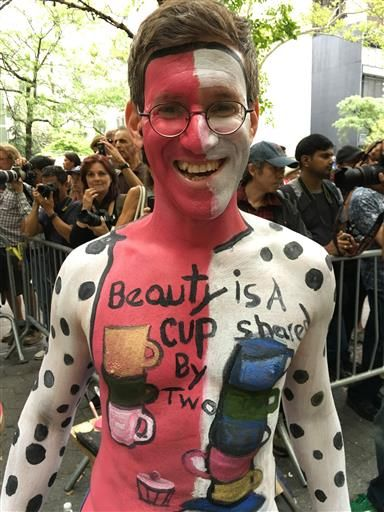 Nude models become artists canvases on NYC Bodypainting