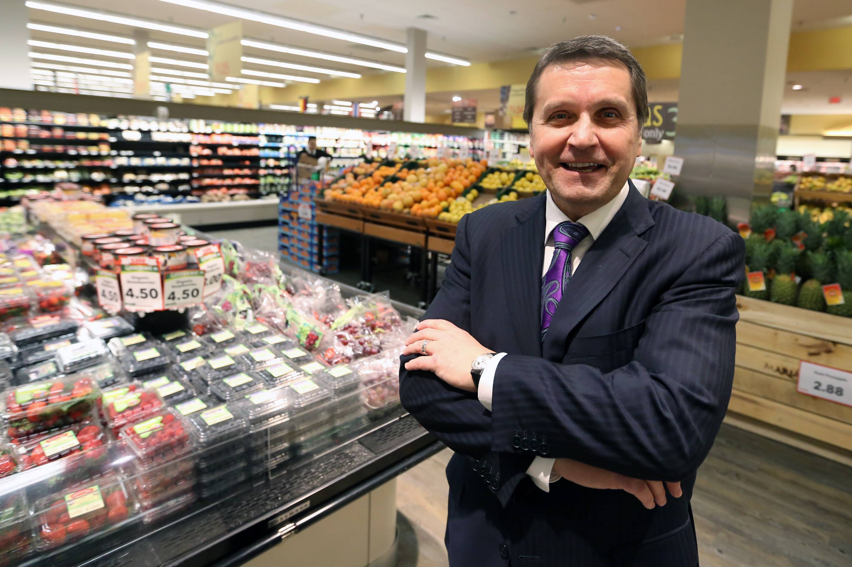 Mariano's grocery store CEO Bob Mariano to retire in September