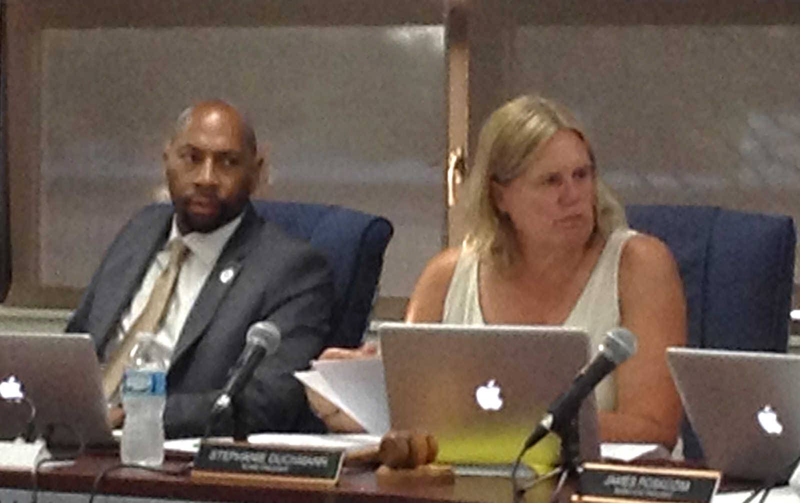 Des Plaines Elementary District 62 board President Stephanie Duckmann on Monday defended the hiring of Superintendent Floyd Williams Jr., who was accused of misconduct at his previous job.