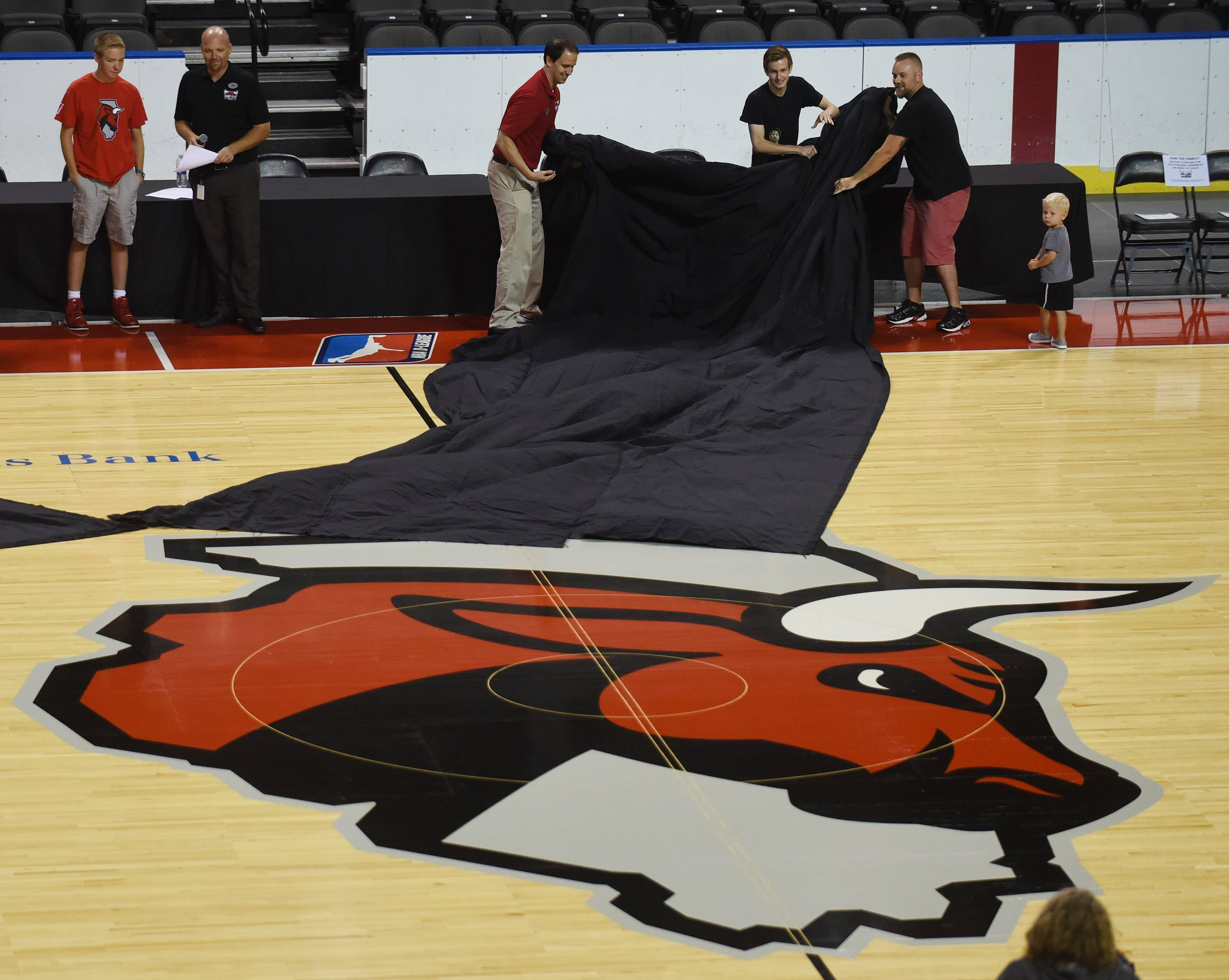 Windy City Bulls invite ticket holders to court unveiling