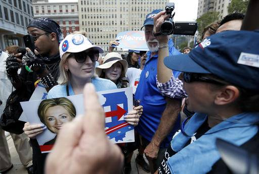 Actors, delegates protest on quiet Day 3 of Dem convention