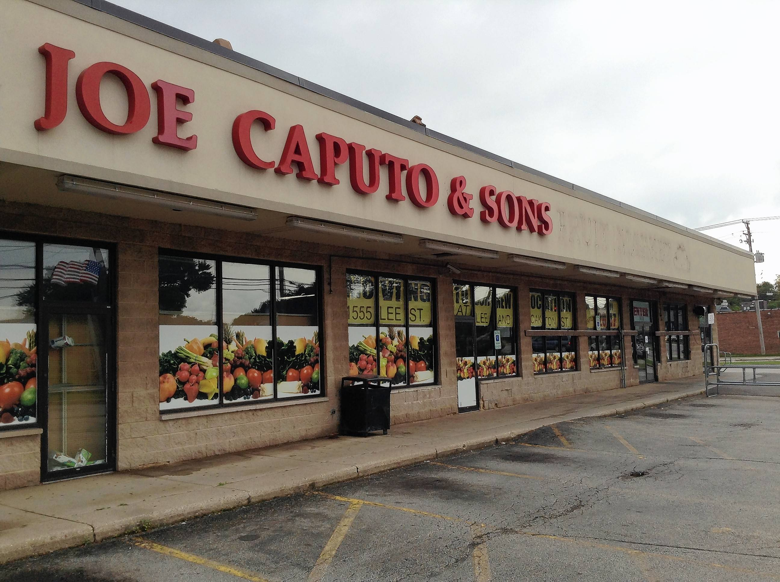 Joe Caputo & Sons Fruit Market closed this week after 27 years of business on Oakton Street in Des Plaines.