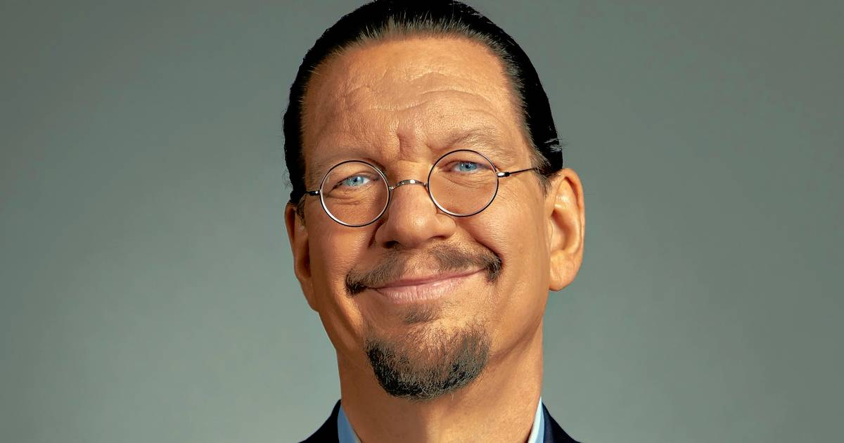 Penn Jillette signs weight-loss book 'Presto!' in La Grange