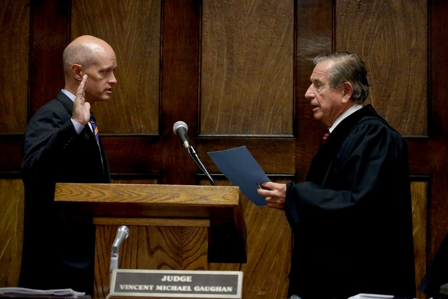 Kane County State's Attorney Joseph McMahon is sworn in Thursday as special prosecutor in the murder case against Chicago Police Officer Jason Van Dyke.