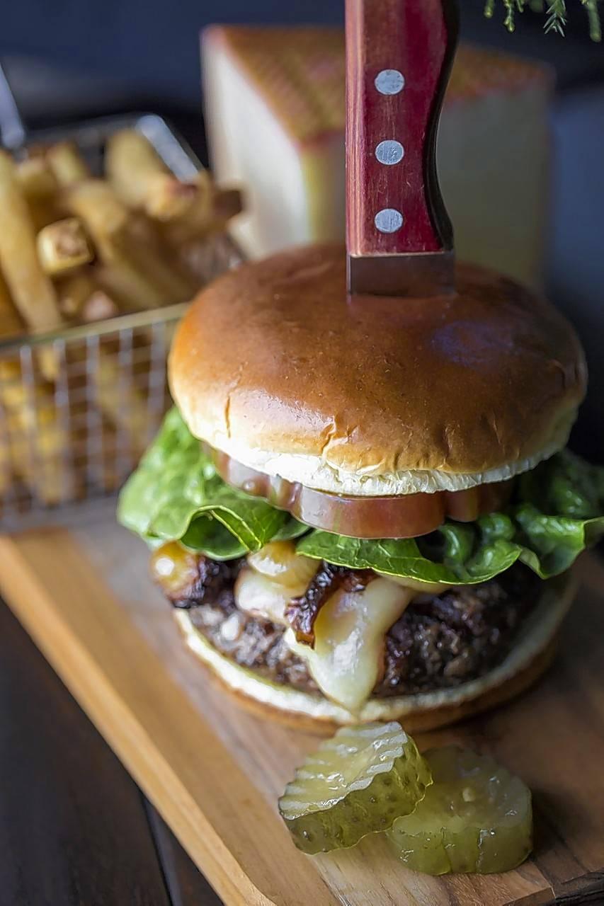 Chef opens restaurant in Oak Brook called B