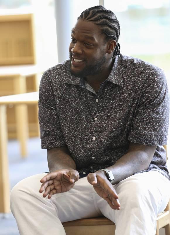 Former Bulls center tells Metea students, 'Pressure is good'