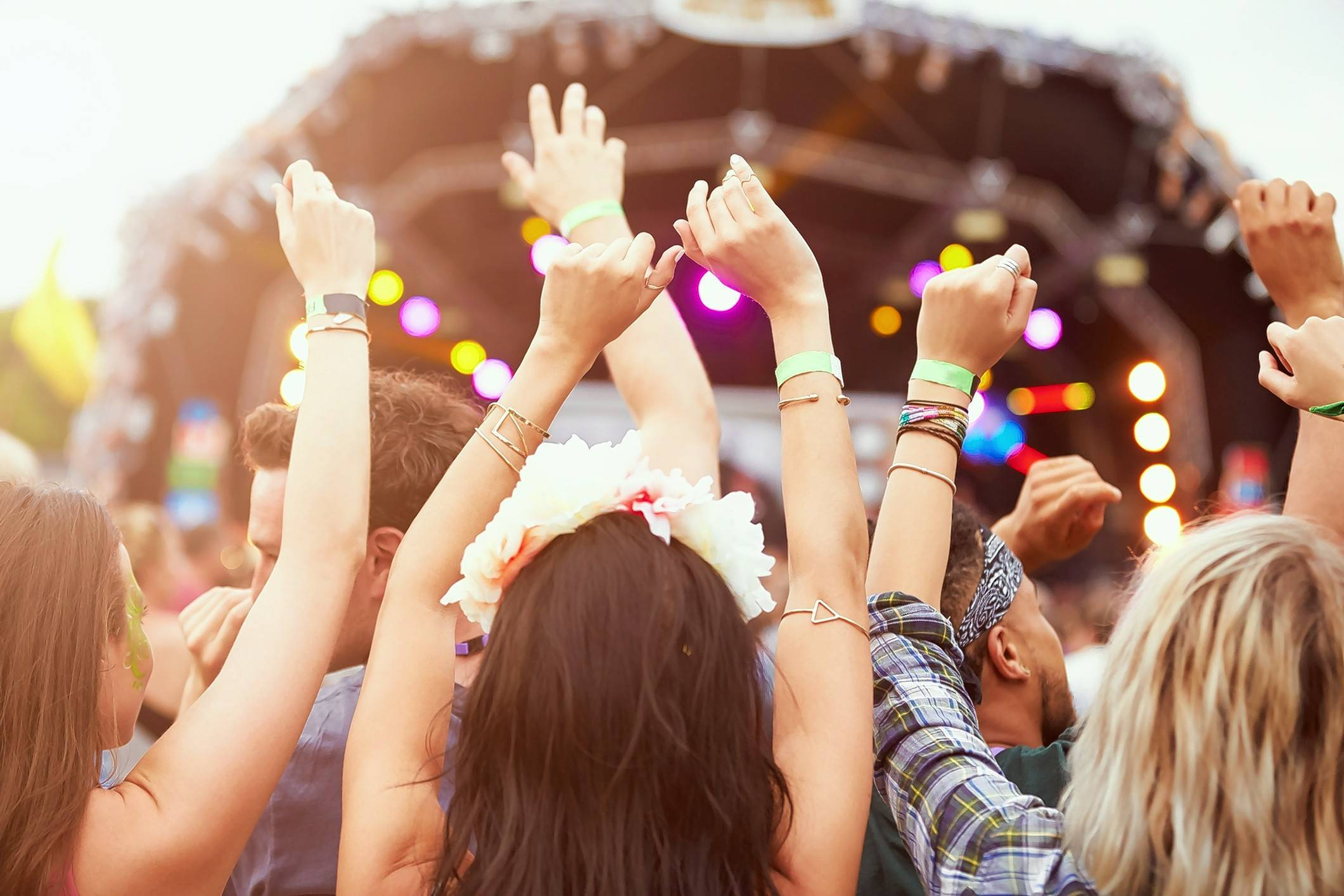 People who attend live music events report higher satisfaction with their lives, new research shows.