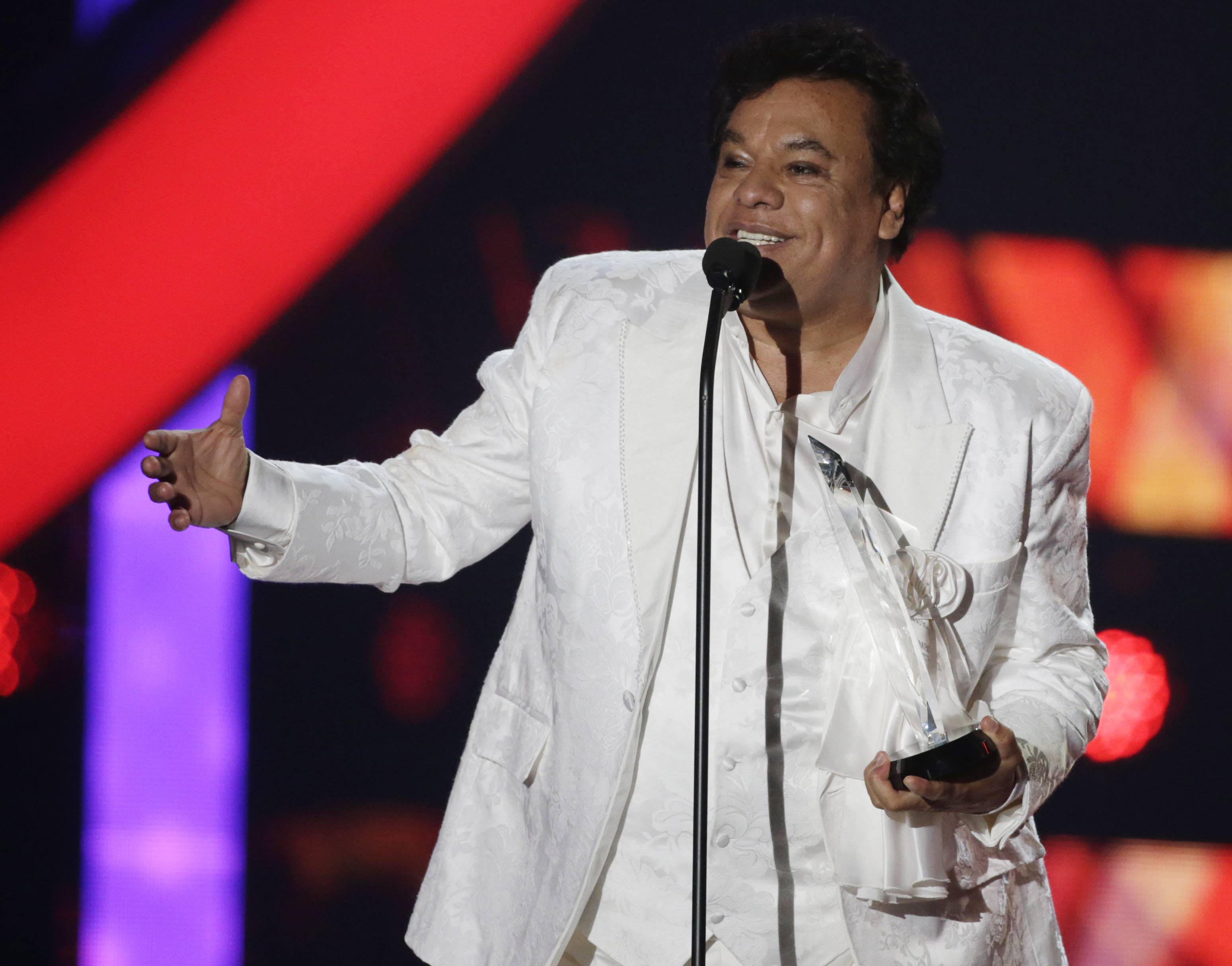 Fans with tickets to see singer Juan Gabriel perform next month at the Allstate Arena in Rosemont will begin receiving refunds Tuesday, an arena official said. Gabriel died unexpectedly Sunday at his home in California.