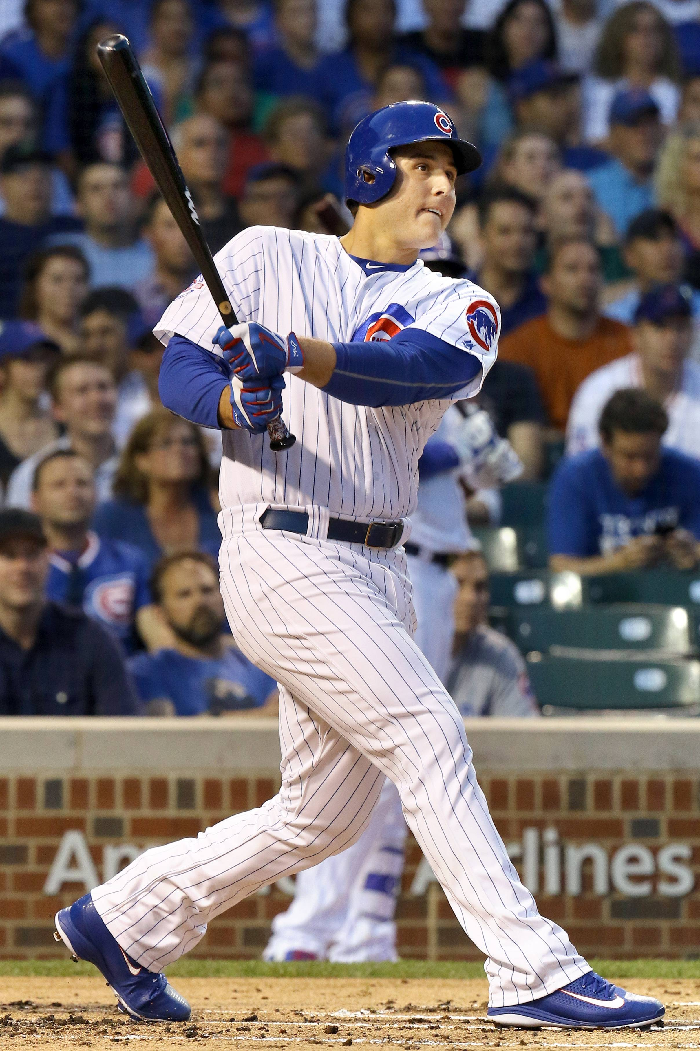 Chicago Cubs first baseman Anthony Rizzo watches his first-inning home run.