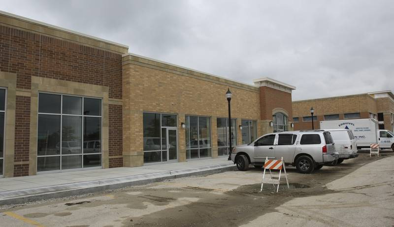 Naperville decides alcohol ok at hair salons for 95th street salon