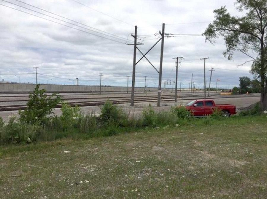 A dispute is brewing over land in Canadian Pacific Railway's Bensenville rail yard that the Illinois tollway wants for a western bypass around O'Hare.