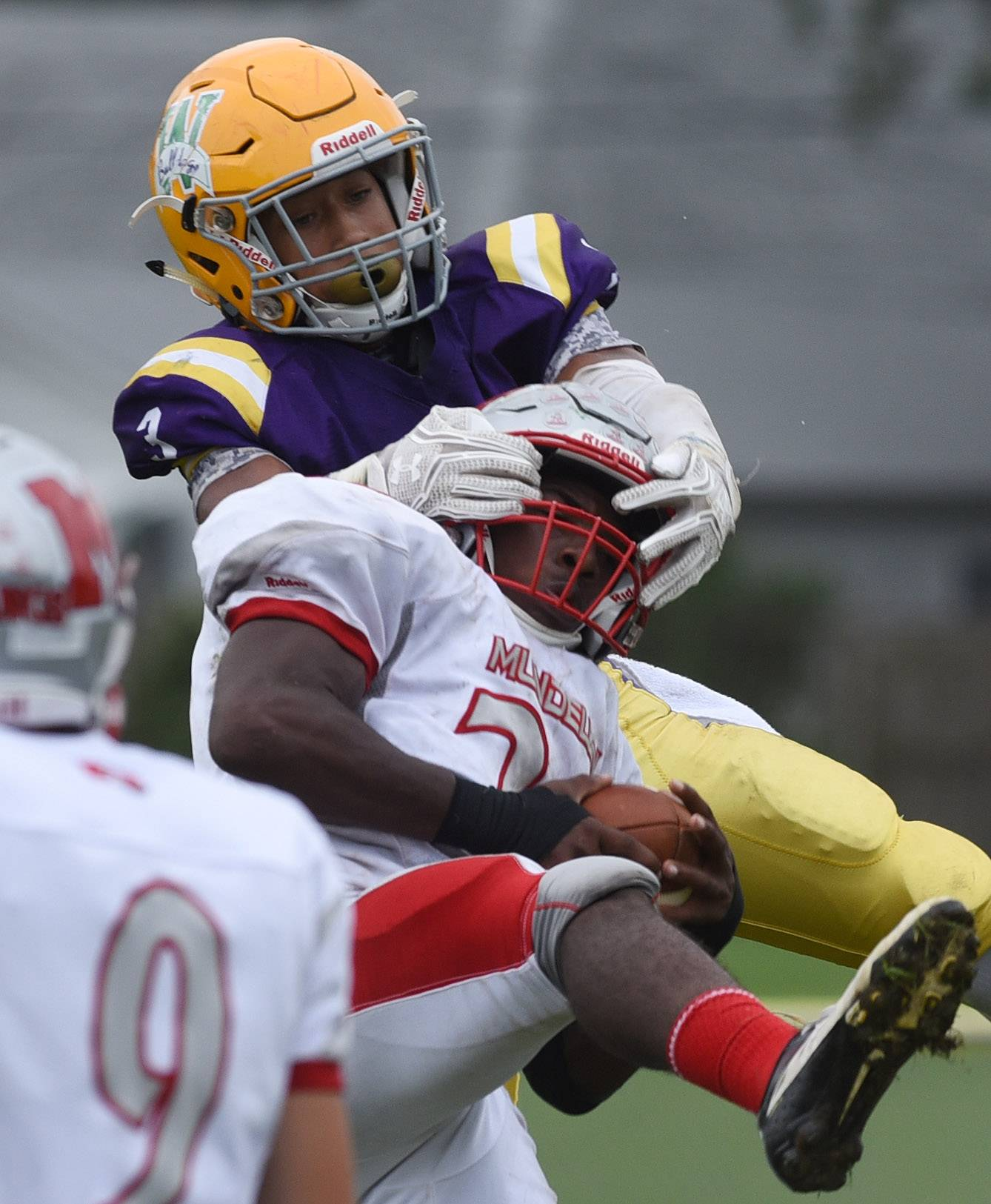 With Woolford bearing down, it's a Mundelein victory