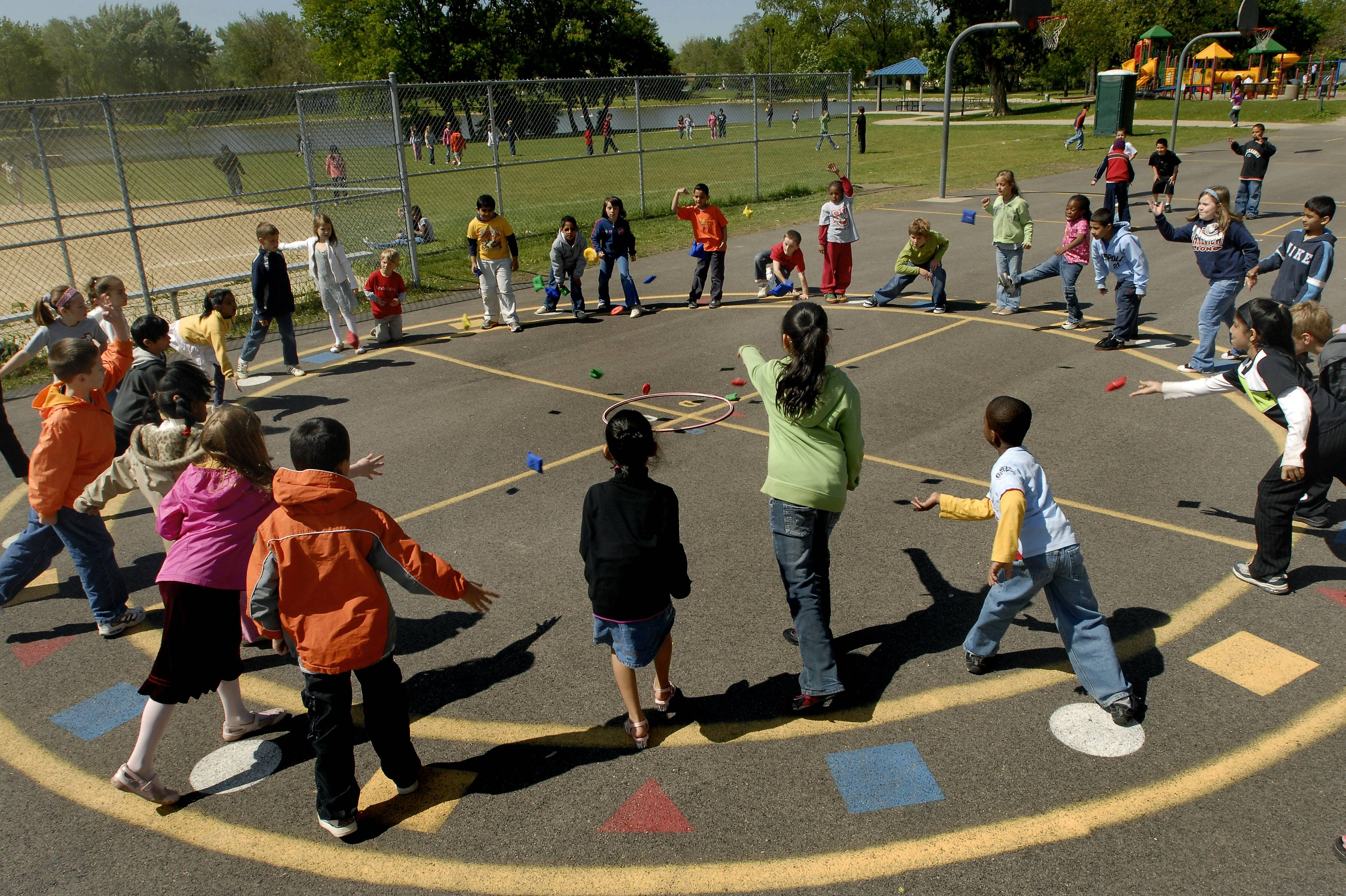 A parents group has cited health benefits in asking Grayslake Elementary District 46 to increase the amount of outdoor recess time for younger students.