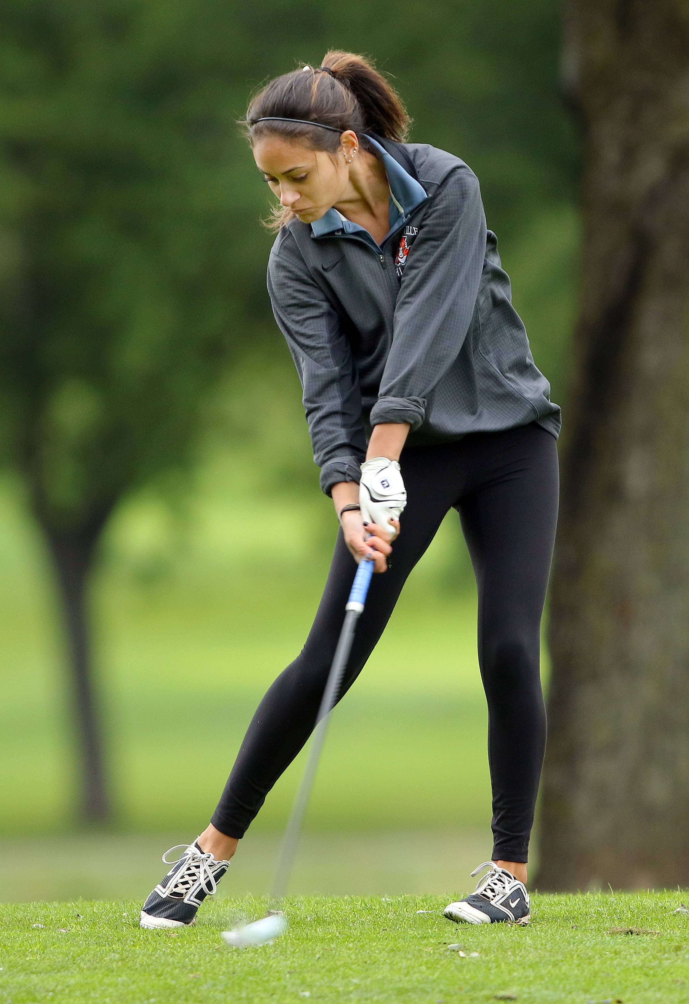 Girls golf: Libertyville pulls together for NSC title