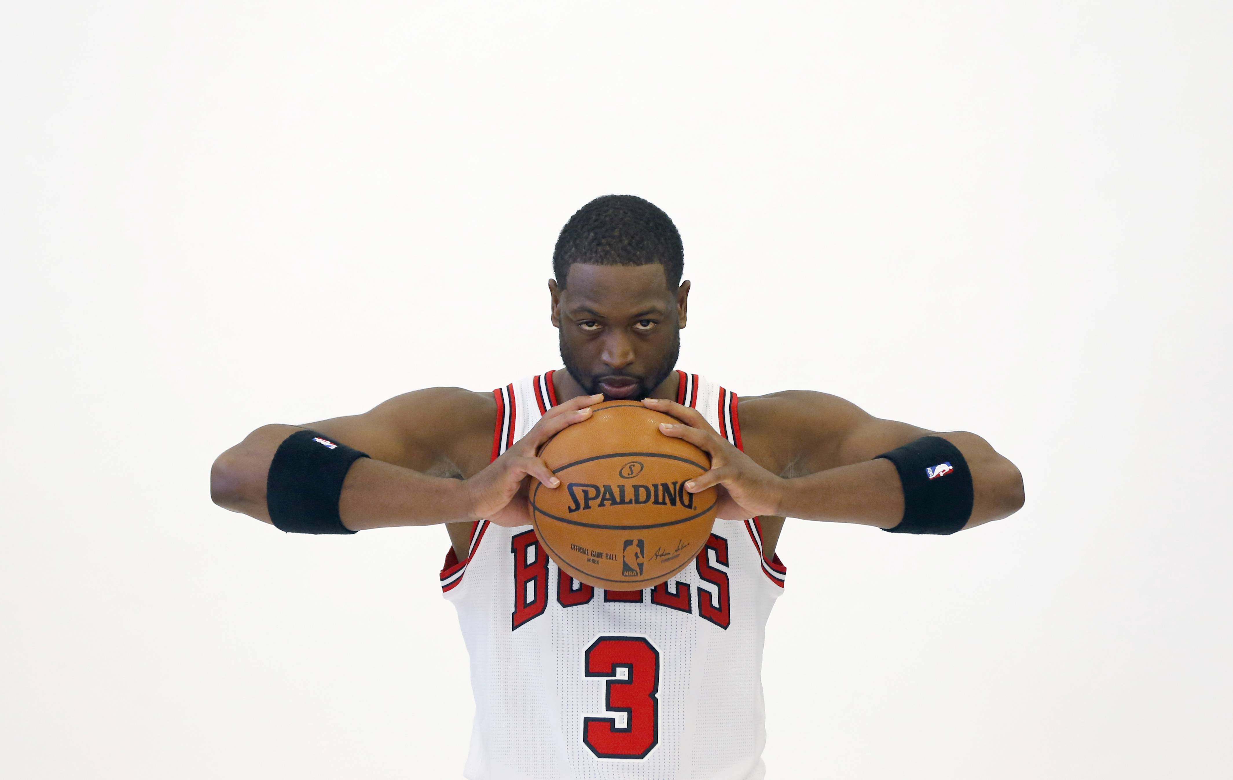 Wade, Rondo taking no-nonsense approach with Bulls