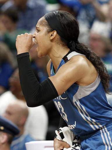 Moore scores 31 as Lynx open with 113-93 win over Mercury