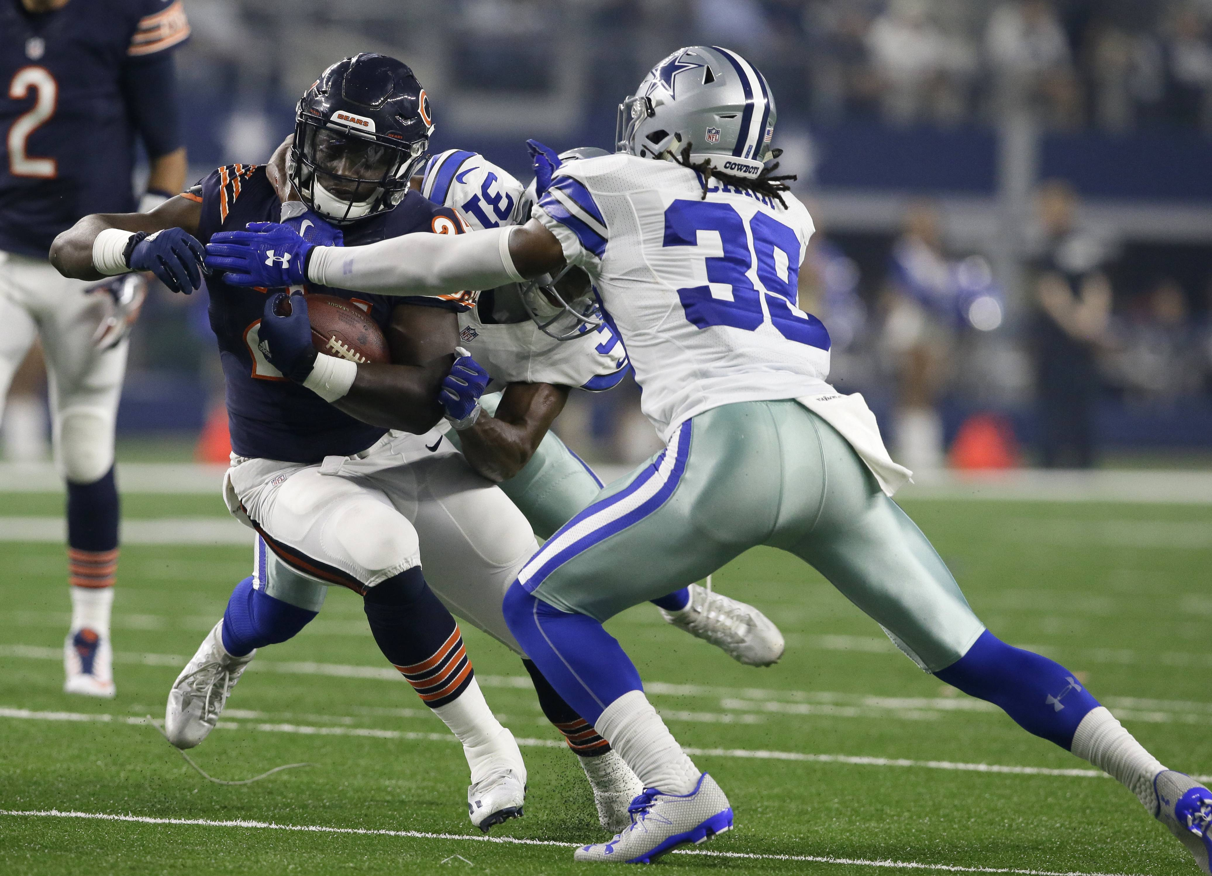 When Jordan Howard was drafted in the fifth round (150th overall) back in April, he never considered he might be the Bears' featured running back by Week Four. But Howard will do most of the heavy lifting in the ground game Sunday against the Lions at Soldier Field, where the Bears have lost 11 of their last 12.