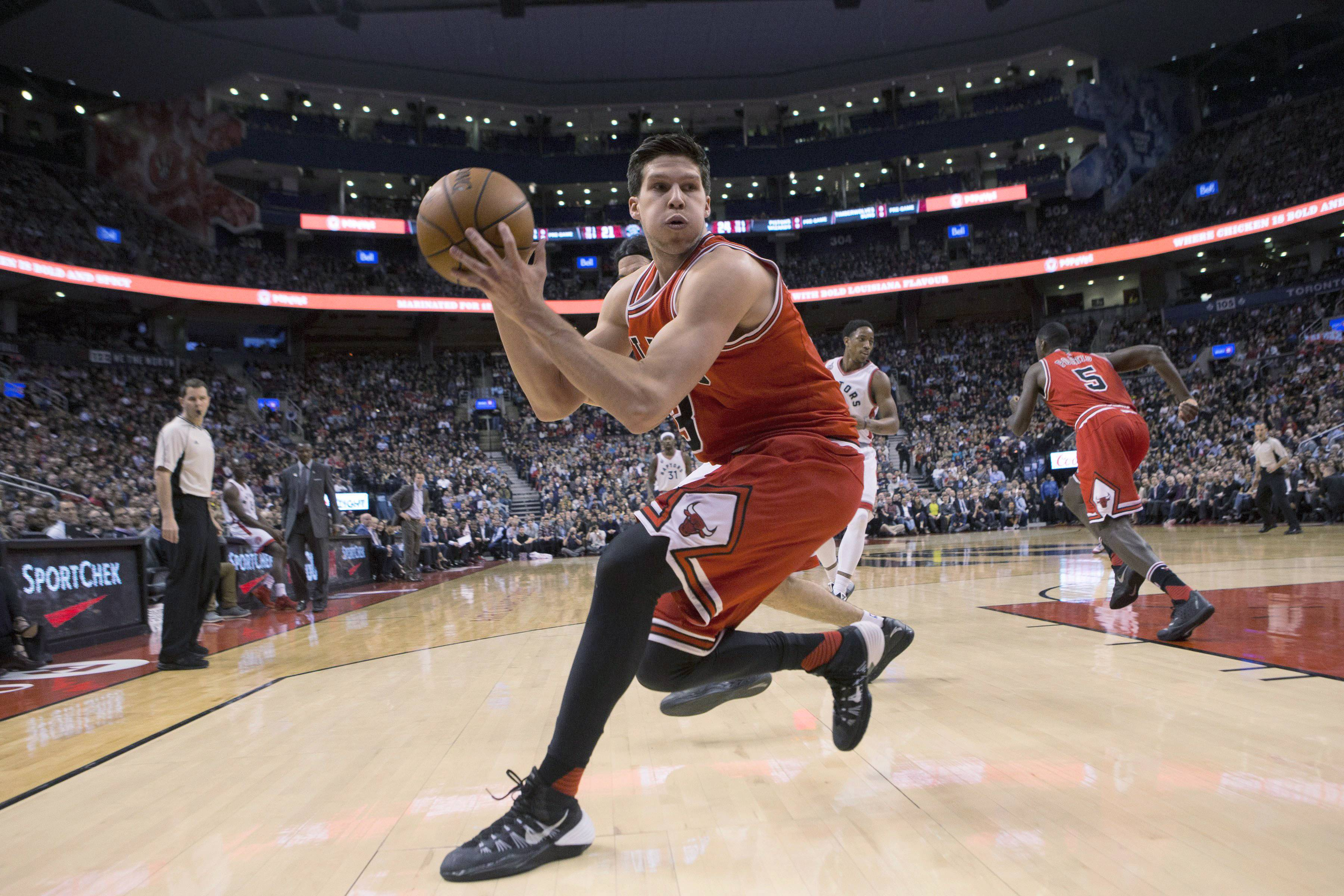 Associated press Bulls forward Doug McDermott didn't experience much roster turnover during his first two seasons with the team. Now that the Bulls have eight newcomers,the third-year forward talked about what it's been like with so many new faces.
