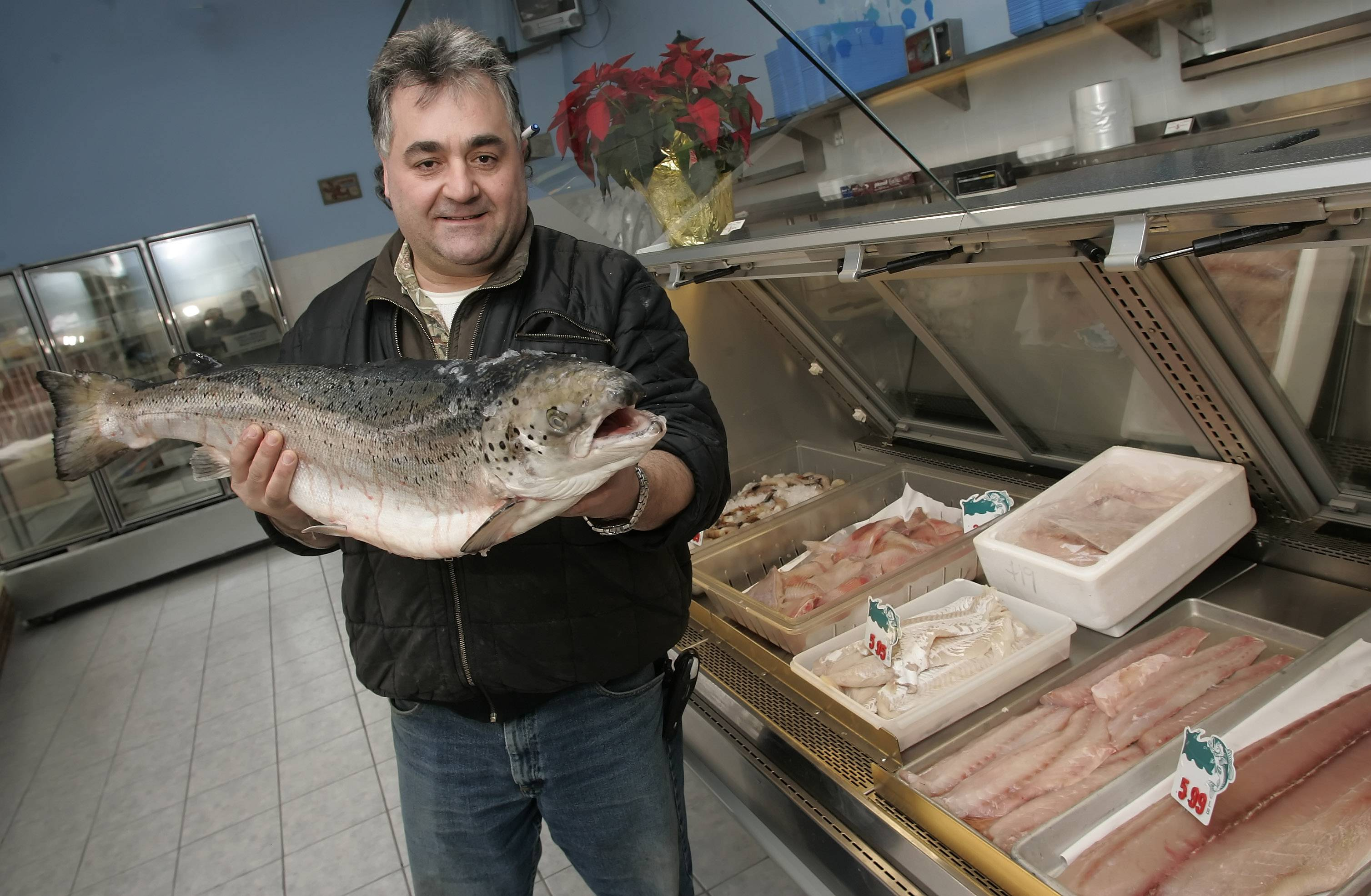 Louis Psihogios, owner of Boston Fish Market in Des Plaines, plans to open a new restaurant in Wheeling.