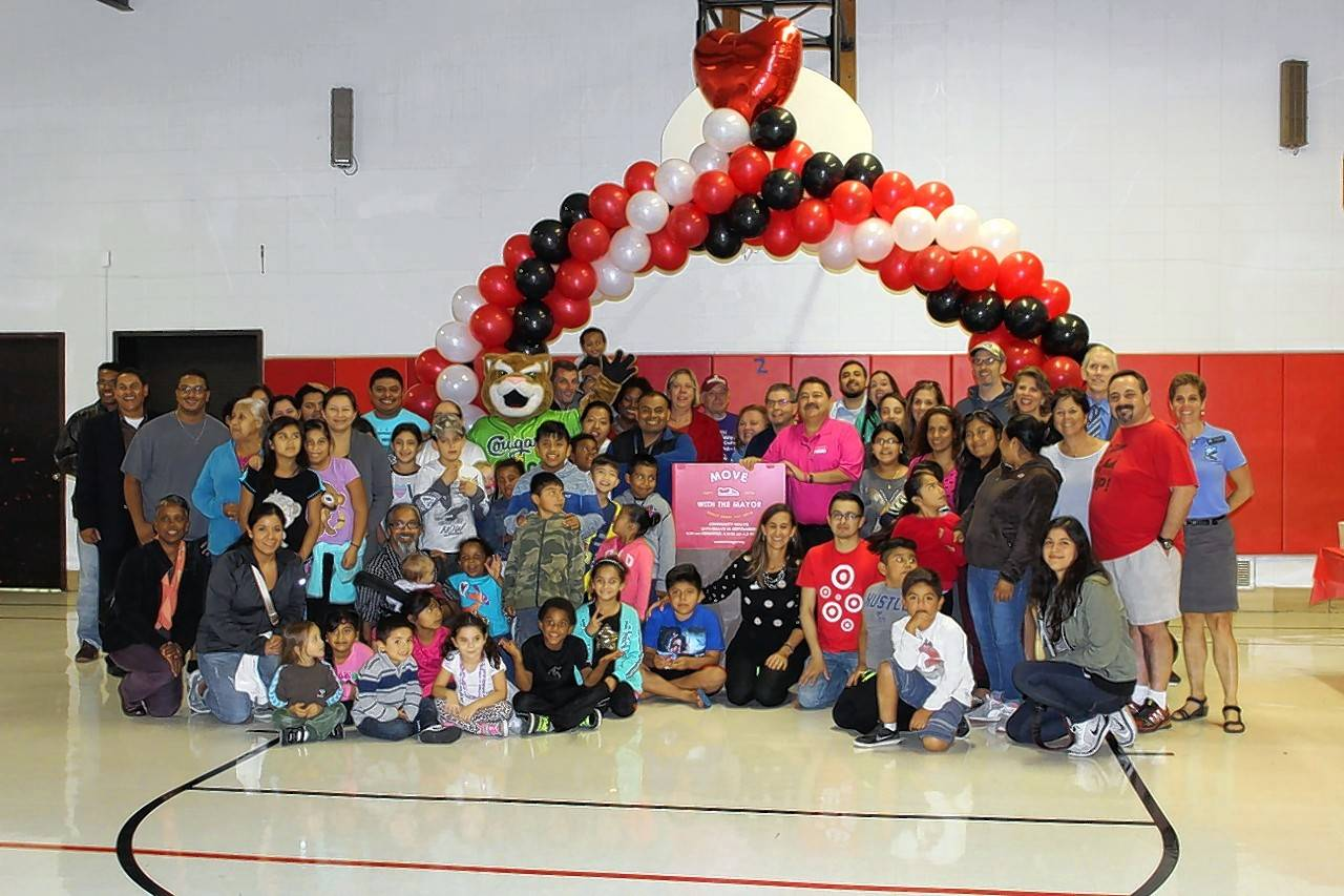 Dozens of residents came out to a celebration Thursday at Pioneer Elementary School in West Chicago to celebrate World Heart Day and the conclusion of the city's first Move With the Mayor challenge.