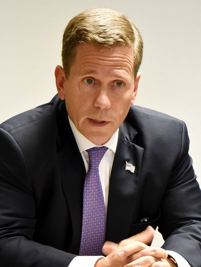 Republican 10th House District candidate Bob Dold said he won't vote for GOP presidential nominee Donald Trump and will instead back a write-in candidate.
