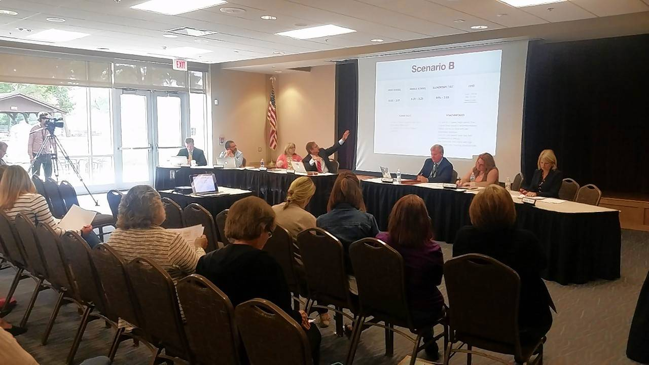 Majority at Barrington 220 town-hall meeting want to change start times