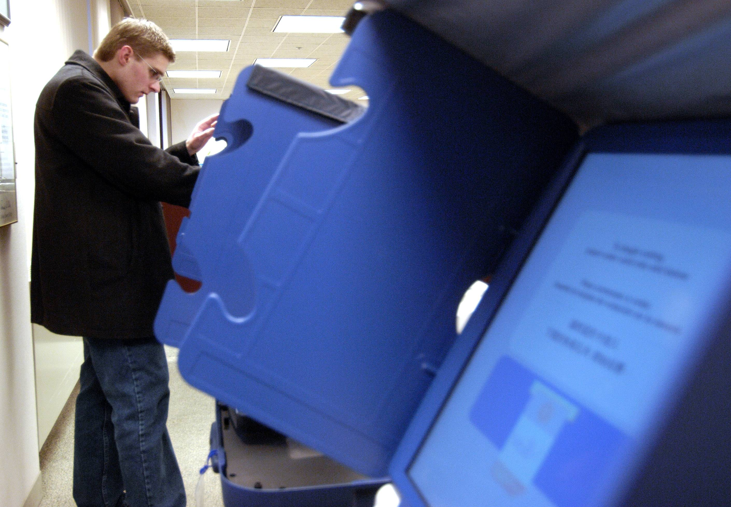Early voting began Monday morning at the Cook County courthouse in Rolling Meadows, as it did here in 2008, as well as about 50 other locations in suburban Cook County. It will continue until Nov. 7.