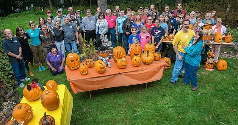20/20 Communications in Marengo hosted its 8th annual fall festival. Customers, vendors and friends enjoyed a day filled with a pig roast, pumpkin carving competition and evening bonfire.
