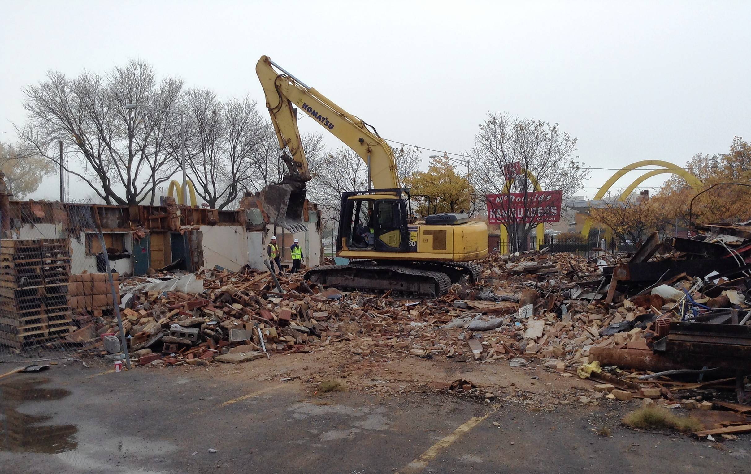 Demolition continues at Polo Inn in Des Plaines