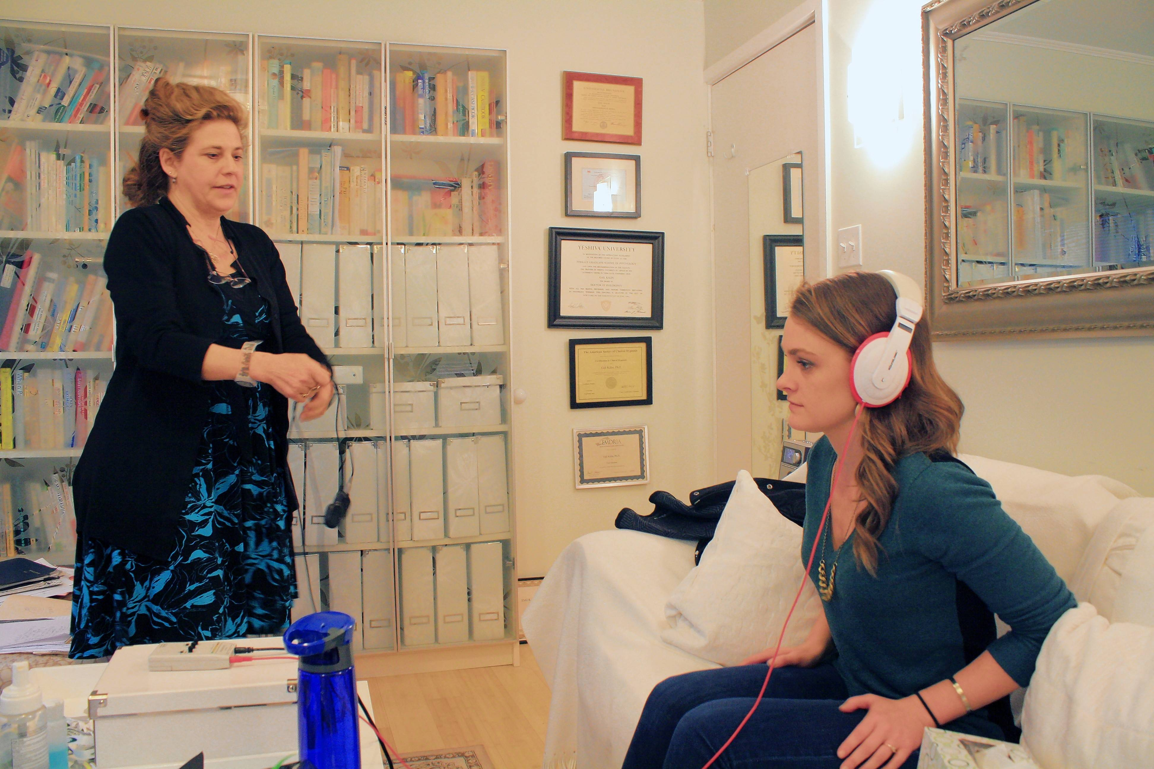 A session Brynne Henn had with EMDR therapist Gail Kalin in Kalin's office.