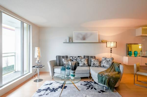 let your home shine with simple staging tips