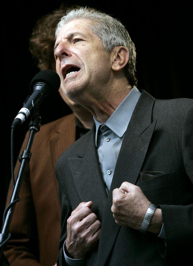 scarpe da corsa 100% di alta qualità Acquista autentico Hallelujah' singer-songwriter, poet dies at 82