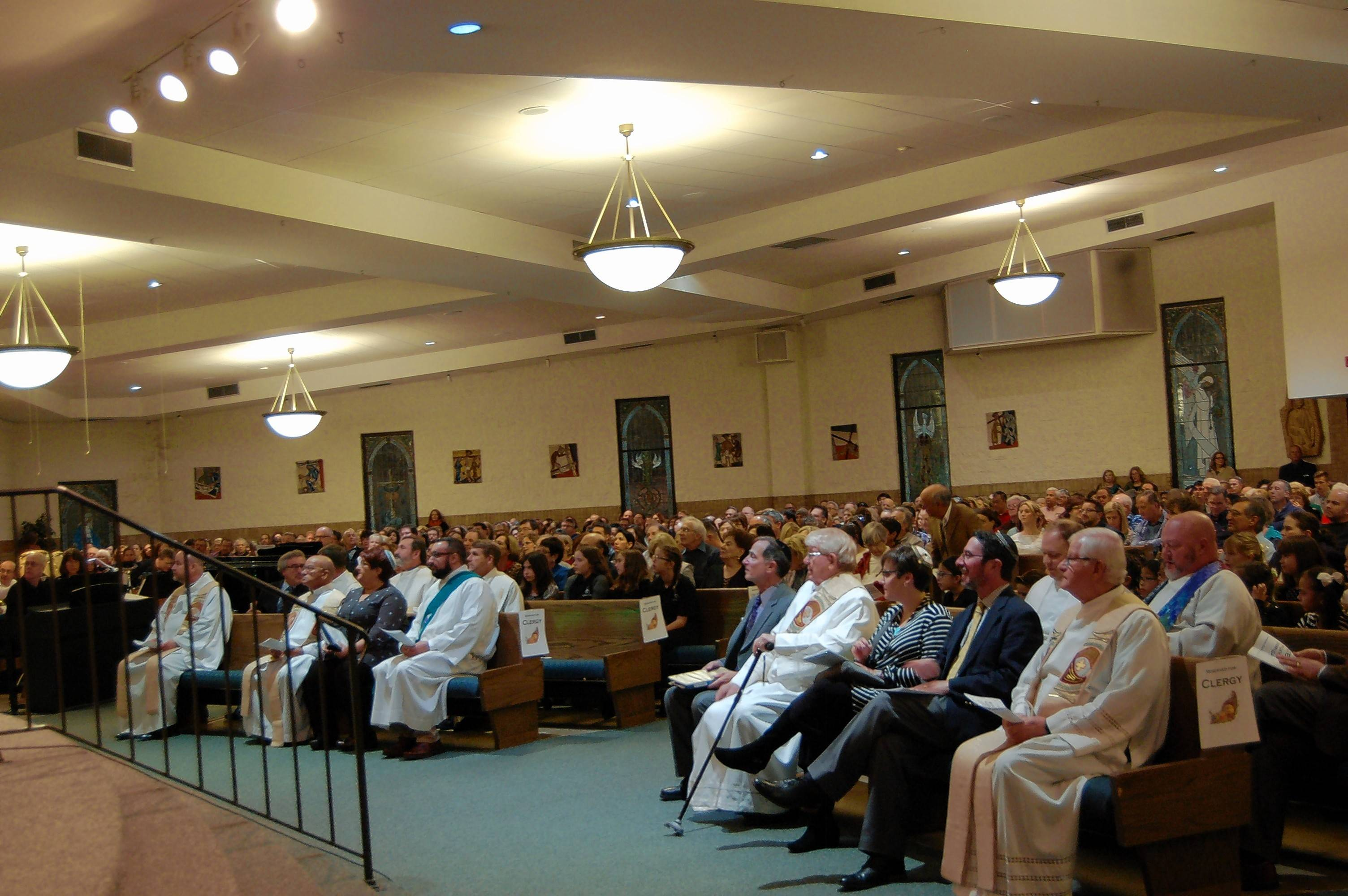 Sunday night's interfaith Thanksgiving service drew a standing-room-only crowd to St. Mary Catholic Church in Buffalo Grove.