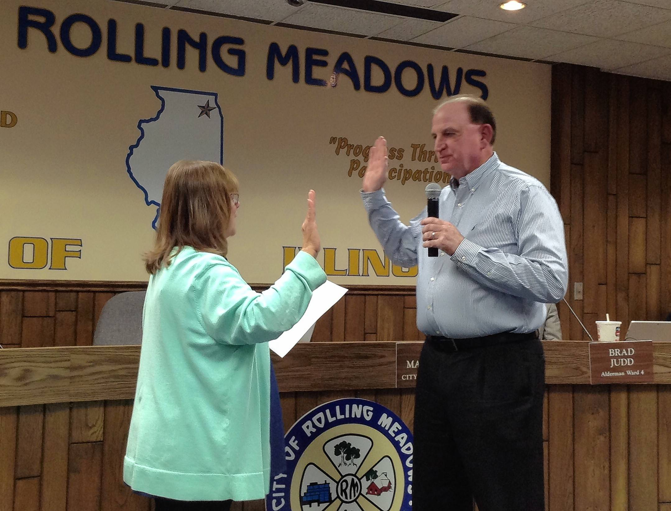 Tim Veenbaas sworn in as acting Rolling Meadows mayor
