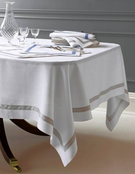 This Dining Room Tablecloth Shows The Correct Length Drop