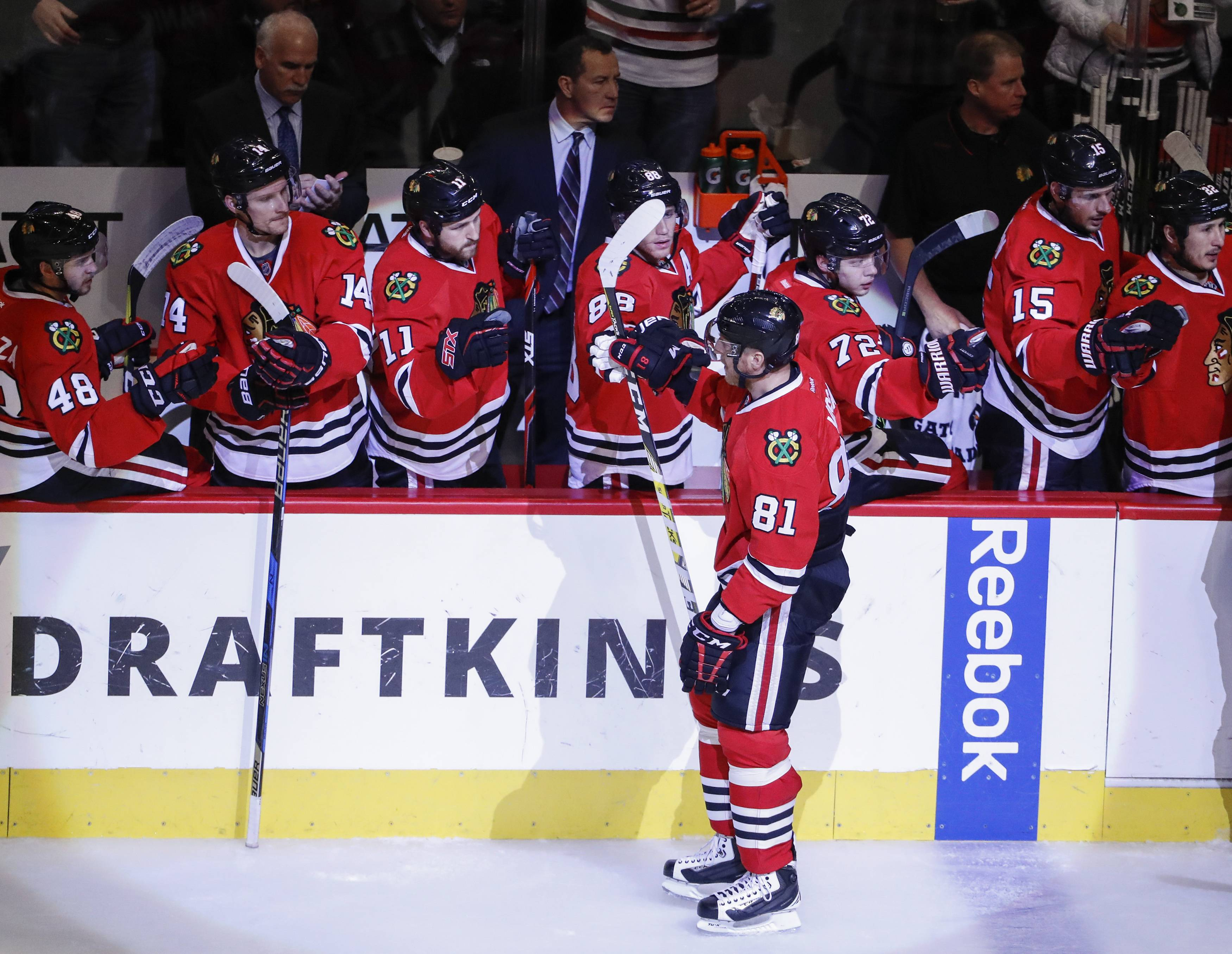 The Blackhawks had no problem getting a 4-0 victory over Arizona at the United Center on Tuesday, getting 2 goals from Marian Hossa.