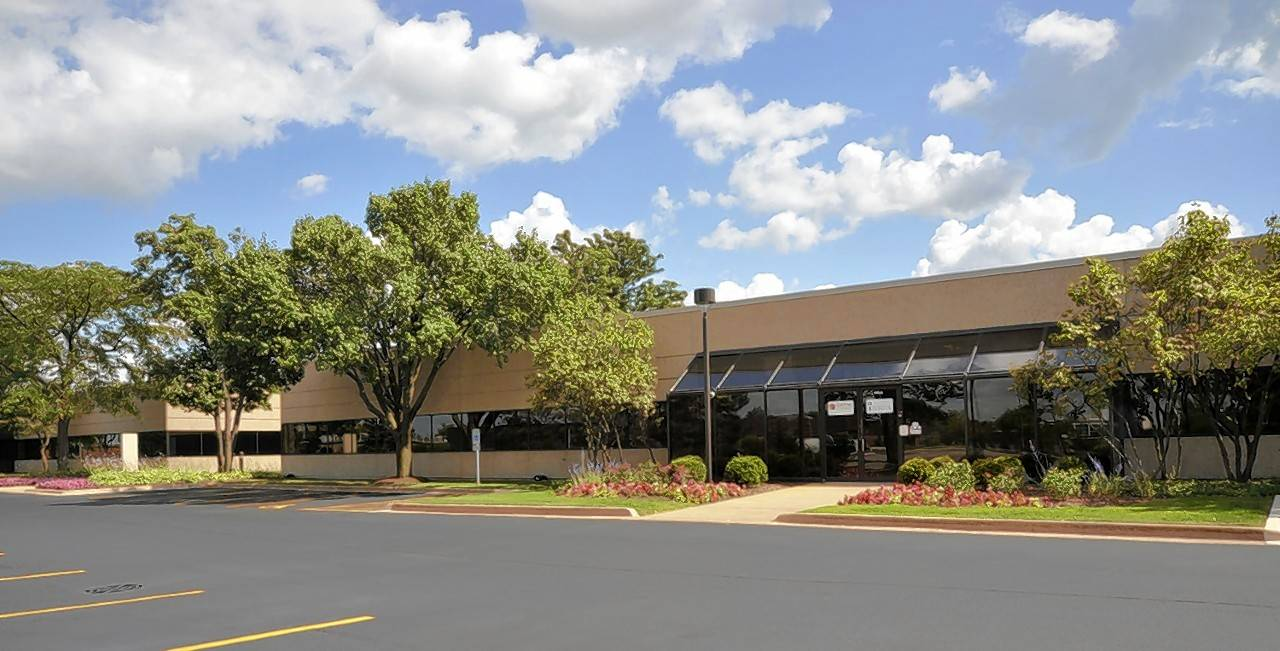 Lagestee-Mulder announced the acquisition of the Finley Business Center, 2505 S. Finley Road in Lombard.