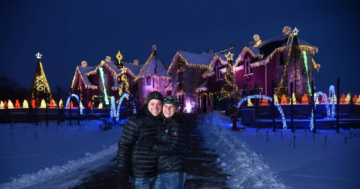 So far, so good for traffic plan at Campton Hills holiday light show