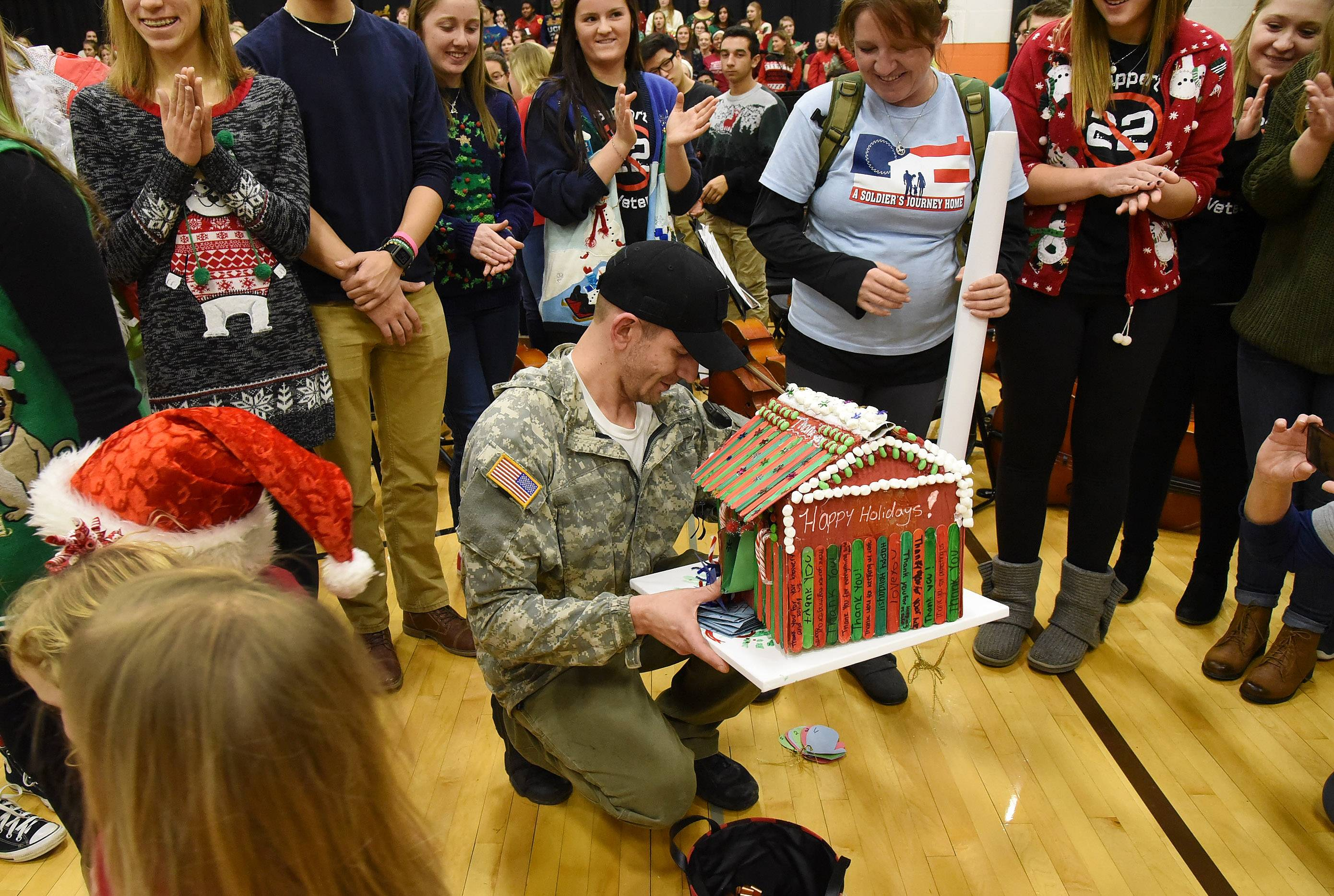 Naperville Army veteran feels at home, thanks to students' donations
