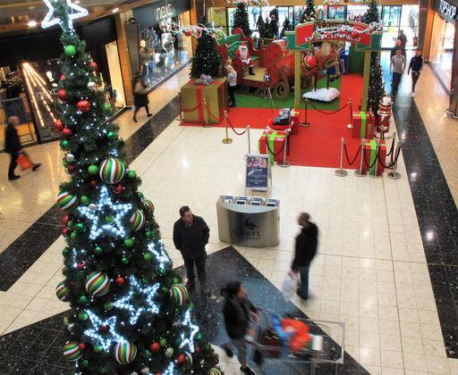 Weak UK Pound An Early Christmas Present For Irish Shoppers