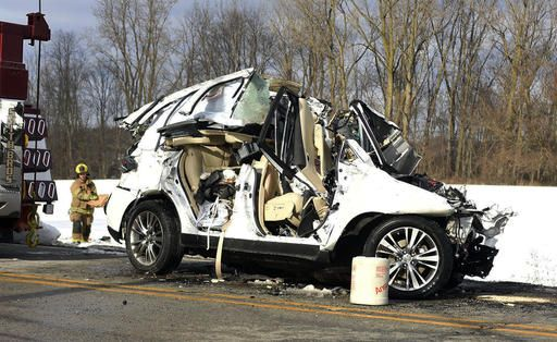 1 dead, 16 hurt in bus-SUV crash in northeastern Indiana