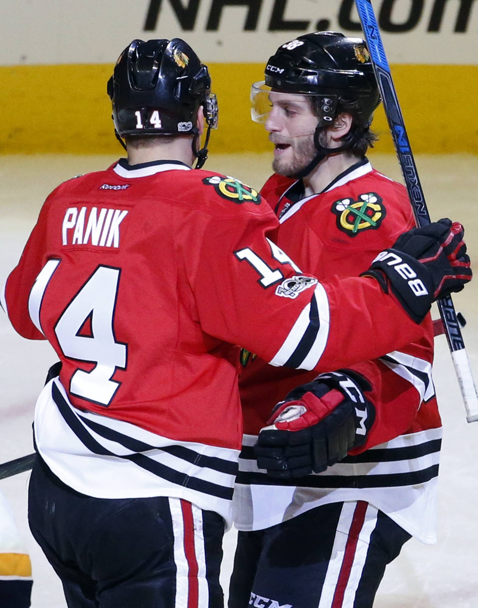Hartman's hat trick a real winner for Chicago Blackhawks